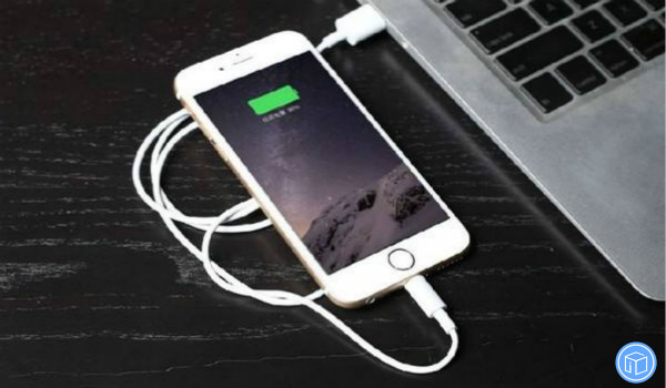 the efficient way to charge your iphone xs